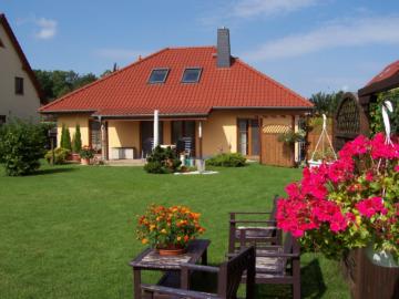 Idyllisch gelegenes Einfamilienhaus mit gehobener Ausstattung, 04288 Leipzig, Einfamilienhaus